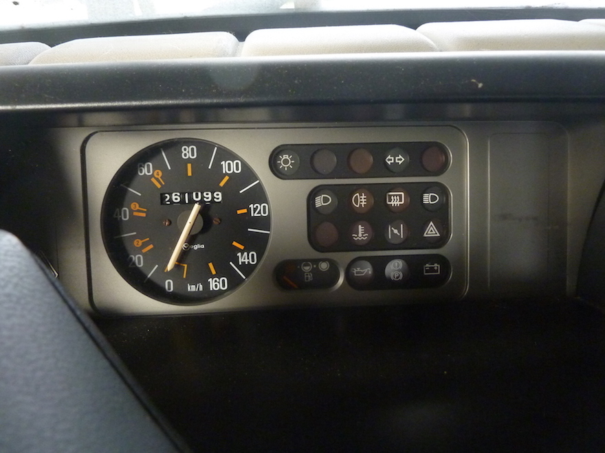 renault-5-dashboard